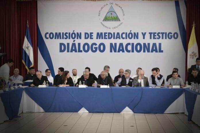 Tres mesas de diálogo: política, elecciones, justicia