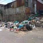 Ilustración del acumulamiento de basura en sectores de la comunidad de La Carpio.